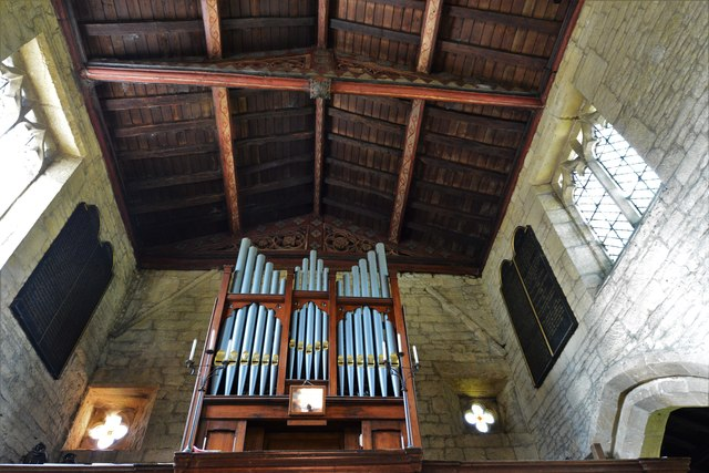 Buckland, St. Michael's Church: The organ and roof