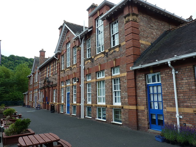 Frontage of the Coalbrookdale and Ironbridge Primary School