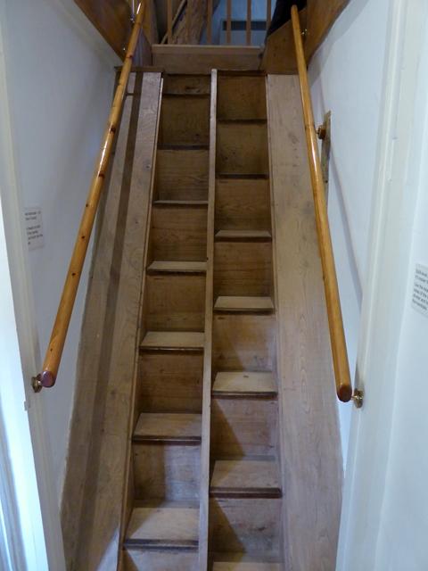 The split staircase, Kelmscott Manor (1)