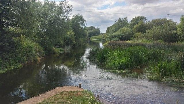 Warwickshire Avon at Marlcliff lock