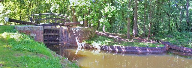 Lock No 16, Basingstoke Canal