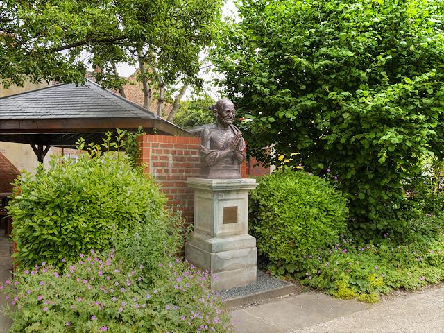 Nelson Mandela Garden, Hull Museum Quarter