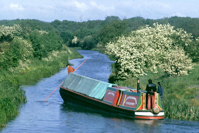 Boat manoeuvres at Sutton Wharf, 1976