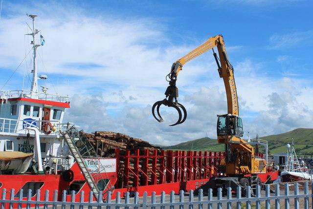 Crane Grab at Work, Girvan Harbour