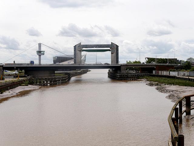 River Hull, Myton Bridge and Tidal Barrier