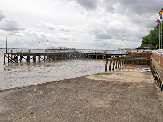 Hull Old Harbour, Victoria Pier