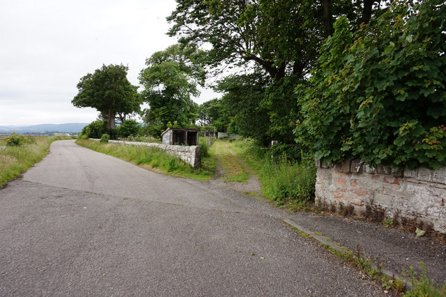 Unnamed road near Rosskeen Bridge