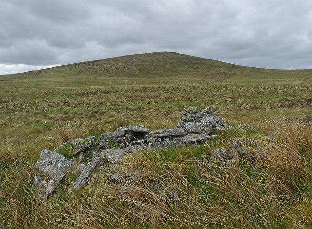 Shieling hut by Loch Gainmheach nam Faoileag, Isle of Lewis