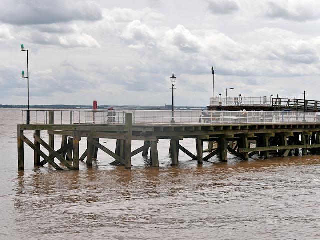 River Humber, Victoria Pier