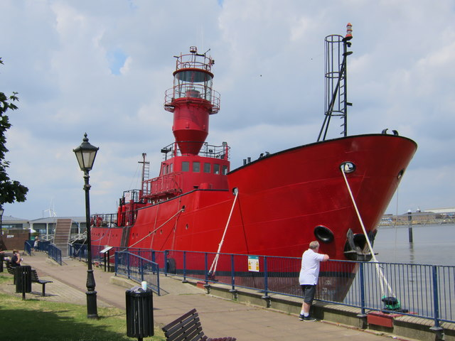 Light Vessel 21 by Town Pier