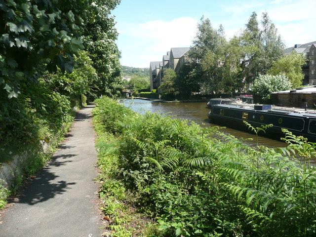 Path alongside the canal, Sowerby Bridge