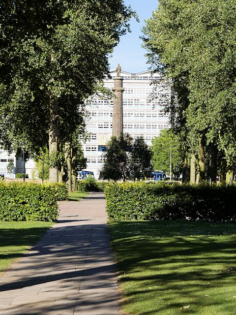 Queen's Gardens, View towards Wilberforce Monument