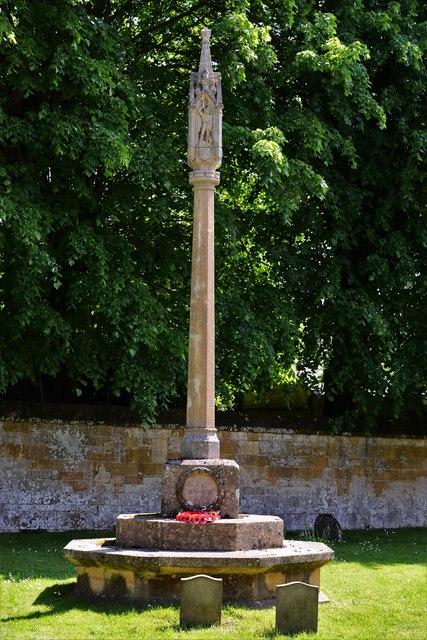 Stanton, St. Michael's Churchyard: First World War memorial by Sir Ninian Comper 2