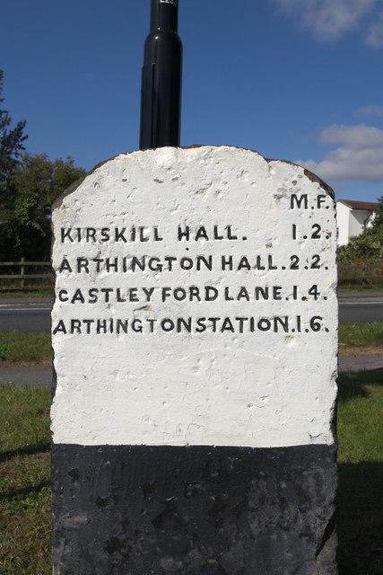 Milestone, Creskeld Lane, Bramhope