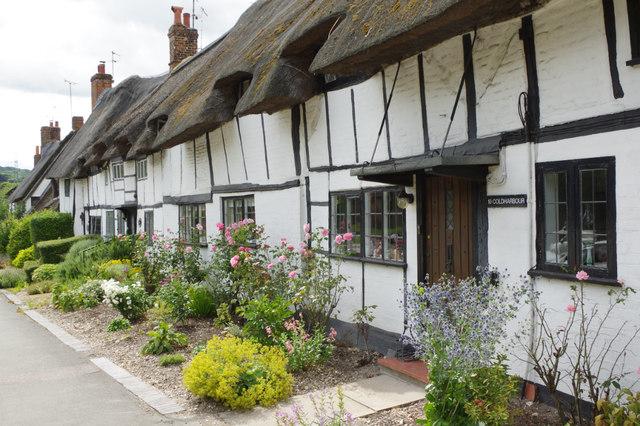 10133298 Anne Boleyn Cottages, Wendover © Stephen McKay :: Geograph Britain ...