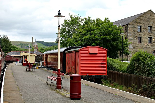 Carriage and wagon at Rawtenstall station