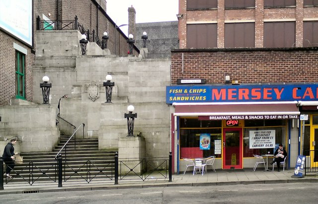 Plaza Steps & Mersey Cafe