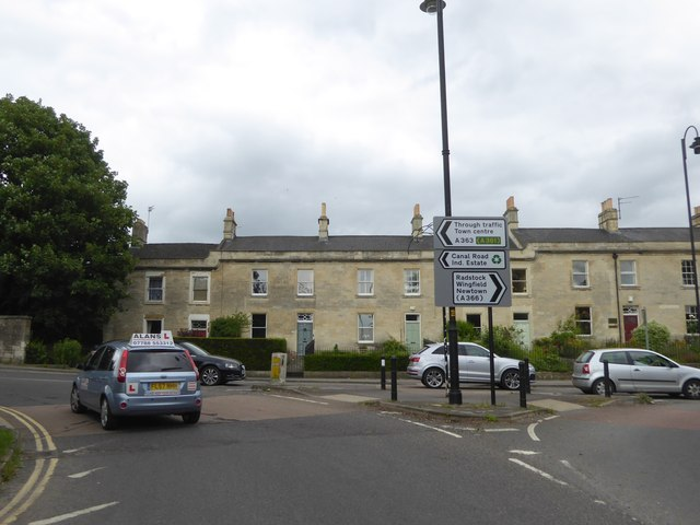 Junction of Bradford Road with a one way system, Trowbridge
