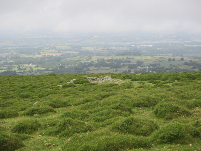 Damaged cairn on the west slope of Moel Faban, Rachub