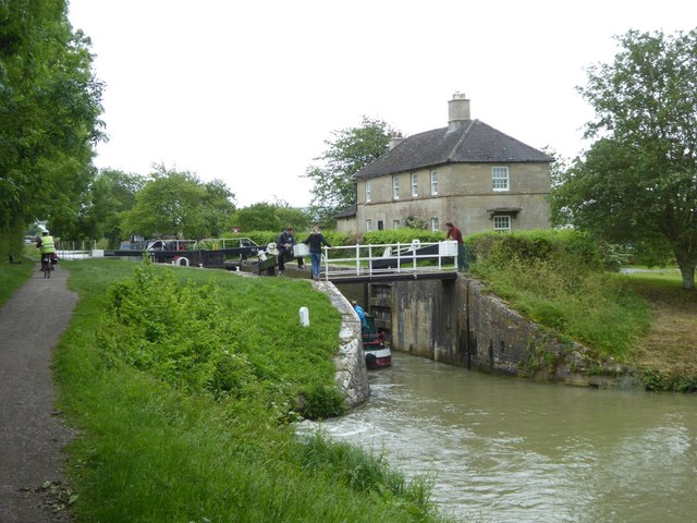 The lock at Semington Bridge