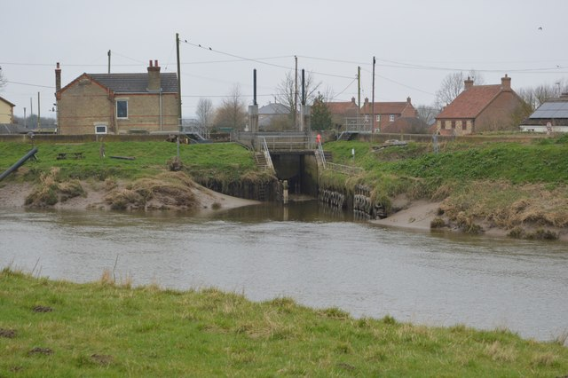 Sluice at the mouth of Well Creek