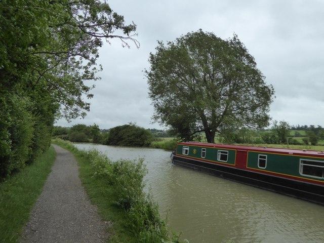 Narrow boat on canal east of Seend Park Farm