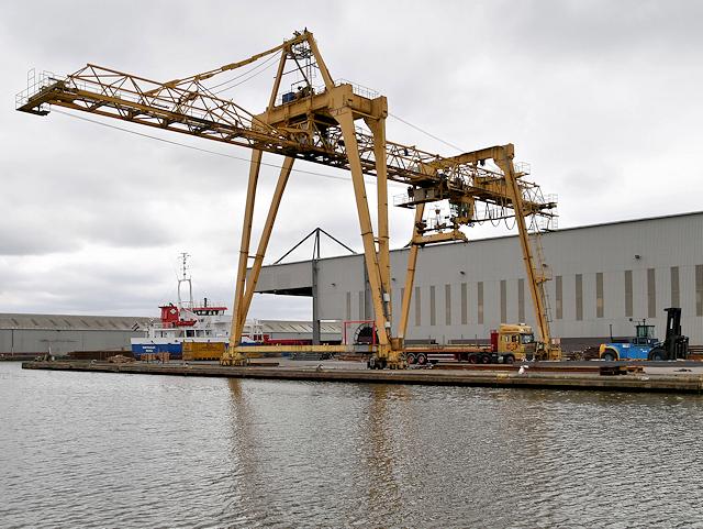 Travelling Crane near the Steel Terminal at Goole Docks