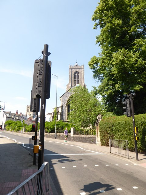 Traffic lights in St Giles Street