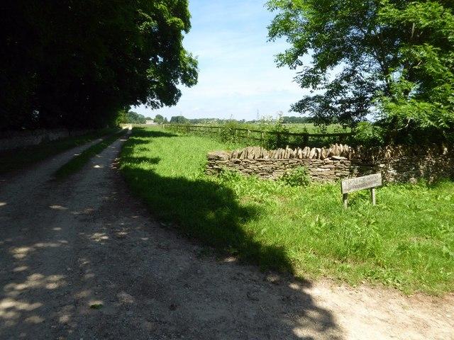Entrance to Eastleach Downs Farmhouse