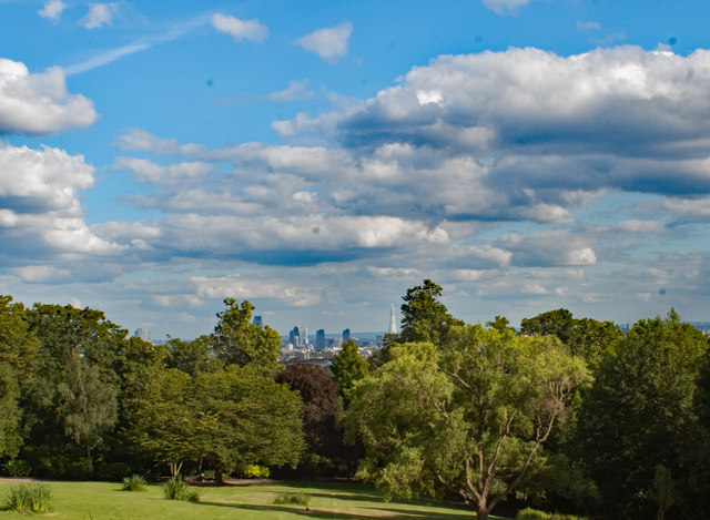 Central London : view from Waterlow Park, Highgate