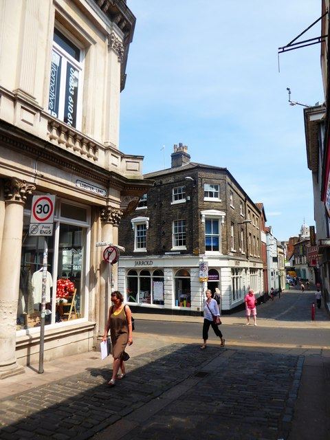 Approaching the junction of Exchange Street and Lobster Lane