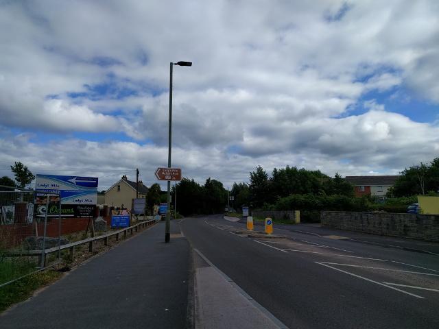 Exeter Road, heading towards Dawlish
