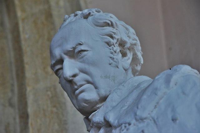 Stanton Harcourt, St. Michael's Church: Field Marshal William Harcourt statue 2
