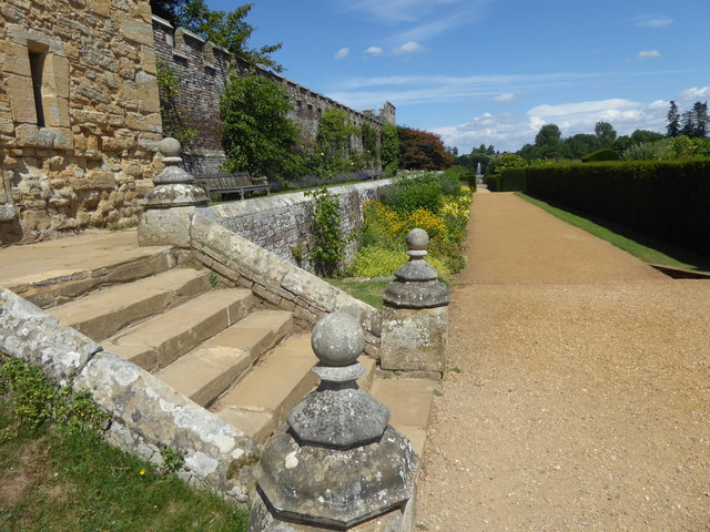 Looking along the Blue and Yellow Border at Penshurst Place