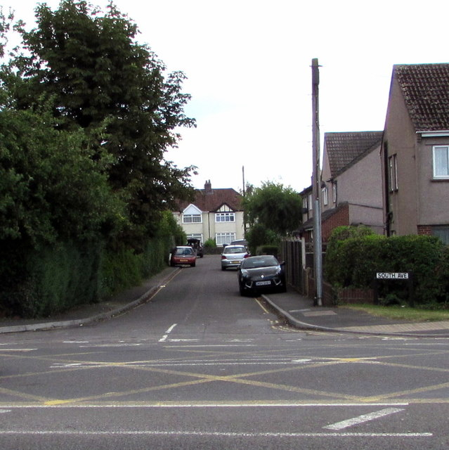 Junction of Badminton Road and South Avenue, Yate
