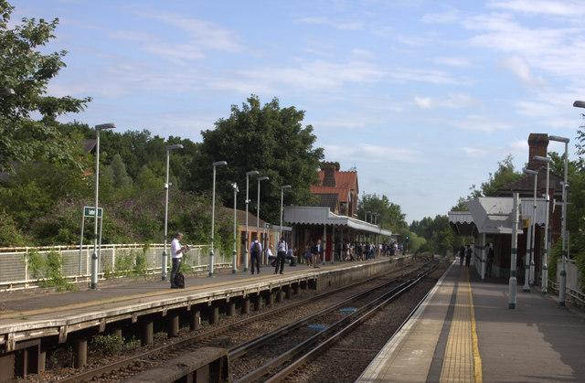 Leatherhead station looking north
