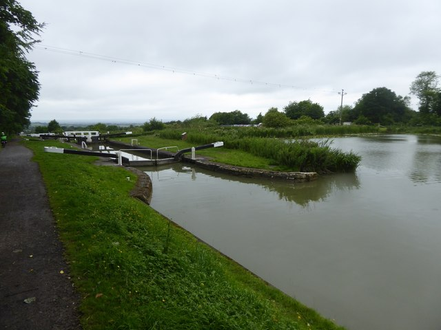Kennet and Avon canal: top of Caen Hill locks