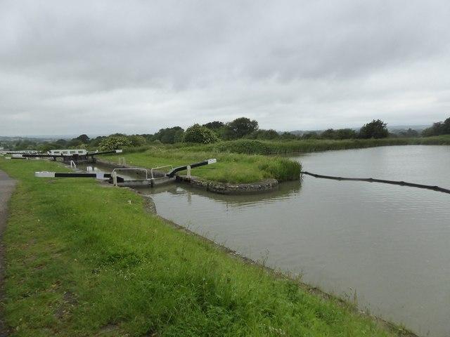 Lock 37 at Caen Hill