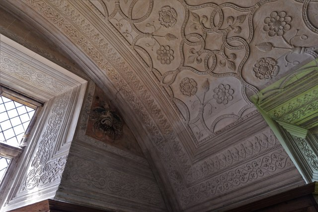 Chastleton House: The Long Gallery ceiling with Japanese Green Man 2