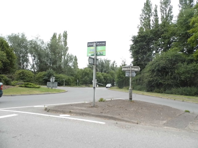 Roundabout on High Street, Redbourn