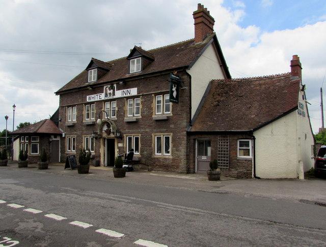 White Hart Inn, Iron Acton