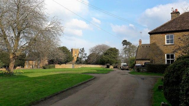 Shenington Green and Holy Trinity church
