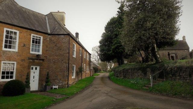 The bottom of Shenington churchyard
