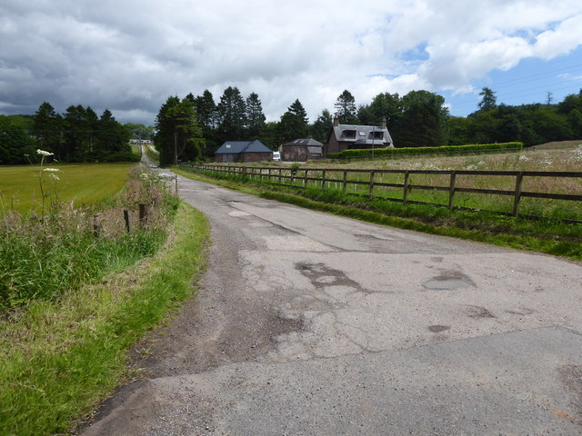 Access lane for Burnton Farm off B9120