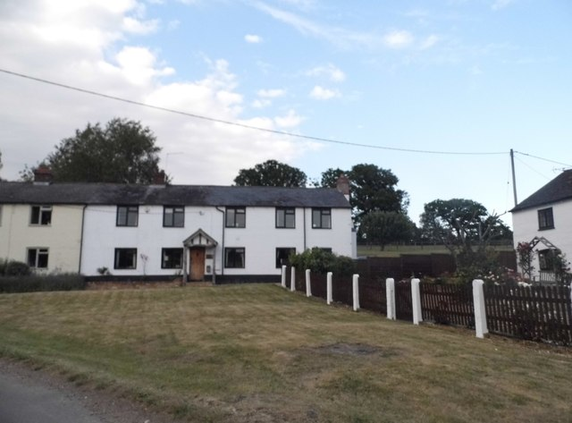 Cottages in Trowley Bottom