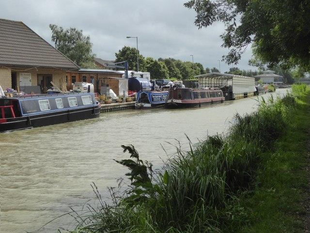Narrow boat business, Hilperton