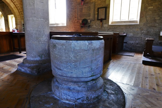 Asthall, St. Nicholas' Church: The font