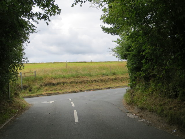 Gamble Lane joining Tong Road near Beulah Farm