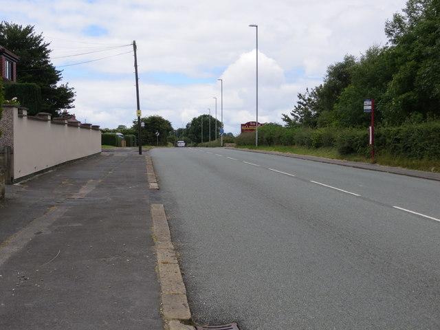 Bradford Road (B6135) leaving Drighlington