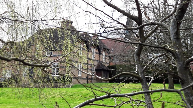 The Old Almshouse and Old School, Little Tew